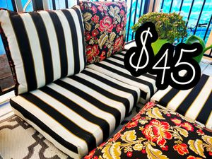 Gorgeous Patio Cushions (3 Piece Set) for Sale in Encinitas, CA