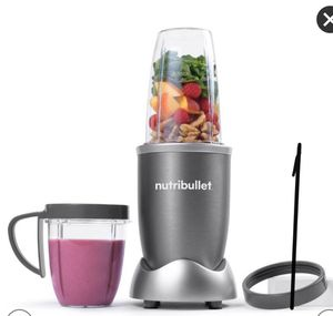 NutriBullet Single Serve Blender 600W ( 8pc Set ). for Sale in Beverly Hills, CA