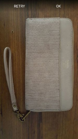Fossil Brand New Beige Wristlet for Sale in Sunland Park, NM