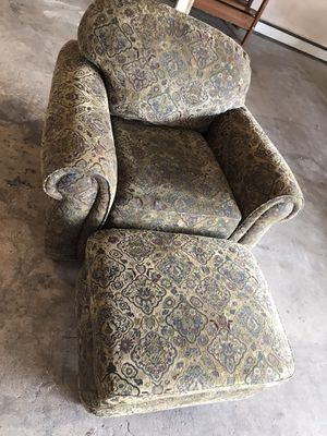 Single couch for Sale in Colorado Springs, CO