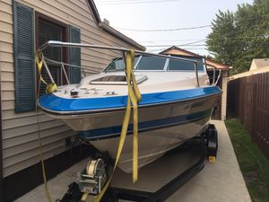 21 ft. 1987 Searay Seville Cuddy Cabin Boat with Mercruiser Inboard/Outboard for Sale in Saint CLR SHORES, MI