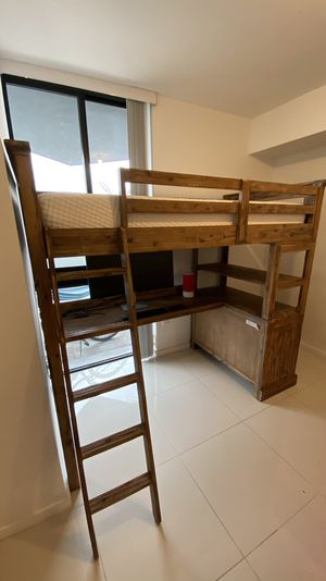 Twin Bunk Bed / twin bed with Desk including Memory Foam Mattress for Sale in Miami, FL