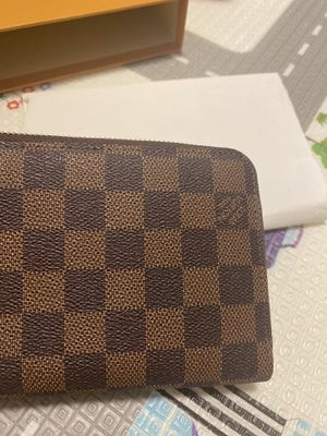 Louis Vuitton wallet for Sale in Arlington Heights, IL