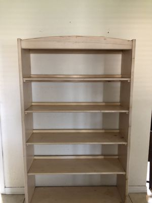 Solid Wood Bookcase for Sale in Clermont, FL