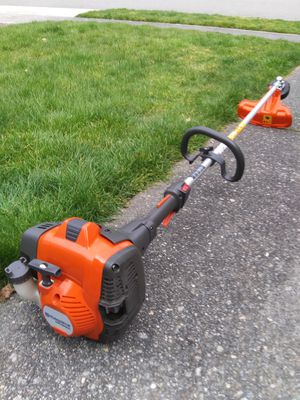 Husqvarna 525L 25-cc 2-Cycle 17-in Straight Shaft Gas String Trimmer for Sale in Lake Stevens, WA