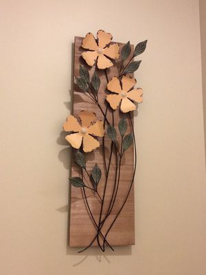 Tin metal flower arrangement for Sale in Millersville, MD