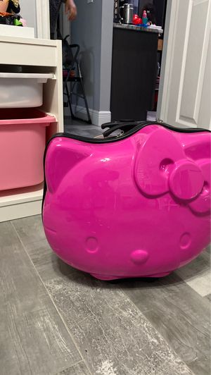 Hello Kitty rolling carry on suit case for Sale in Tampa, FL