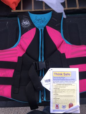 New life vest boat jackets for Sale in Colton, CA