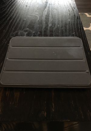 """iPad 9.5"""" screen with cover for Sale in Chesapeake, VA"""
