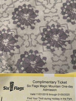 Ticket para sixflgs 25 cada uno for Sale in Fresno, CA