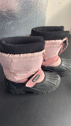 Snow boots for Sale in Roseville, CA
