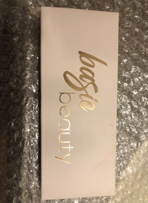 Bagie beauty blush highlighter for Sale in Los Angeles, CA