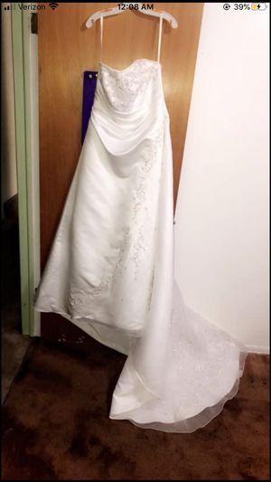New wedding dress for Sale in Denver, CO