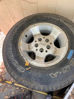2 Jeep wheels for Sale in West Sacramento, CA