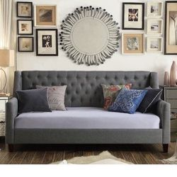 Mistana Pennington Twin Size Tufted Daybed Gray w/Twin Size Bunkie for Sale in Lacey,  WA