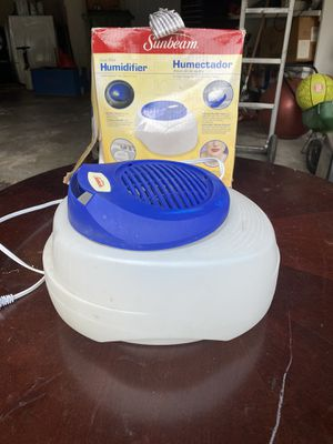 Cool mist humidifier for Sale in Bedford, TX