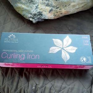 Curling lron for Sale in Gardena, CA