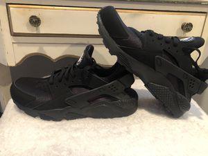 Brand New Nike huarache men's 10 women's 11.5 for Sale in Santa Maria, CA