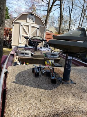 17 foot bass boat for Sale in North Chesterfield, VA