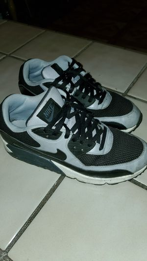 NIKE AIR MAX for Sale in Fresno, CA