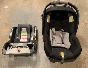 Chicco Car Seat with base (new condition) for Sale in Woodland Park, NJ