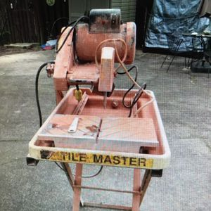 Felker Tile Master Electric Wet Brick Paver Saw With Stand Runs Great! for Sale in Evesham Township, NJ
