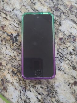 Ipod Touch 5 Con Cover Sin Cargador for Sale in Orlando,  FL