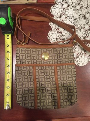 Tommy Hilfiger brown tan purse for Sale in Lakewood, WA