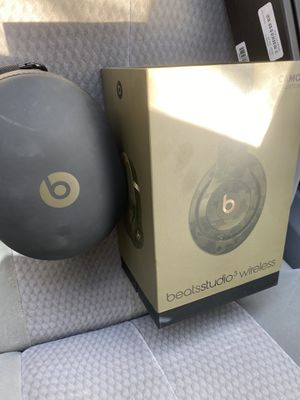 Beats by Dre Studio 3 Wireless Bluetooth or wired headphones Camoflage. for Sale in Fresno, CA