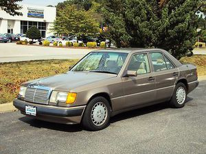 Mercedes benz doesnt run parts only 300e for Sale in Martinez, CA