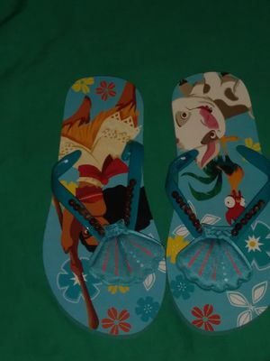 Cute Moana summer slippers my daughter never worn them grandma bought them too small for Sale in Clovis, CA
