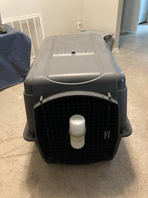 Dog Crate Kennel 70-90lbs Grey w bottle for Sale in Orlando, FL