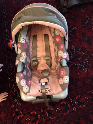 Graco baby car seat for Sale in Centreville, VA