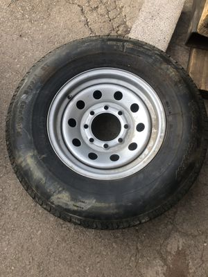 Trailer tire- 8 lug -235-80-16-ad up its for sale- used for Sale in Phoenix, AZ
