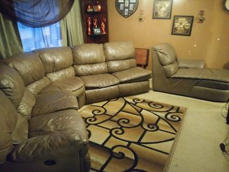 Super Clean & Beautiful Real 100% Leather Couch, Lounge, and Pull-out Bed set! for Sale in Riverdale,  GA