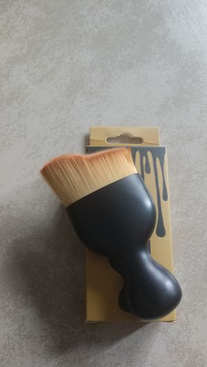 Contouring makeup brush for Sale in Walton Hills, OH