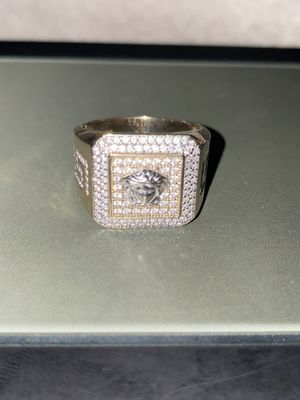 Versace ring for Sale in Compton, CA