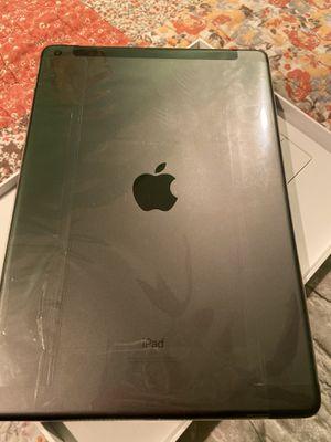 iPad 7th for Sale in Aurora, IL