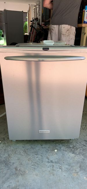 Fridgidaire Dishwasher for parts or to fix for Sale in Forest Hills, TN