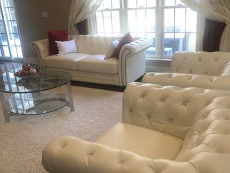 2 Sofas, 2 Chairs And Coffee table. for Sale in Powell,  OH