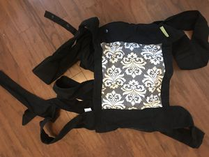 Adjustable wrap baby carrier for Sale in Miramar, FL