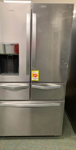 BRAND NEW WHIRLPOOL REFRIGERATOR WITH WARRANTY RP 77 for Sale in Los Angeles, CA