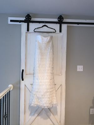 Brand New/ Never Been Worn Stunning Wedding Dress for Sale in Frisco, TX