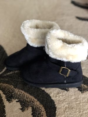 Girls Black Fur Boots used once Sz 1 for Sale in Kailua, HI
