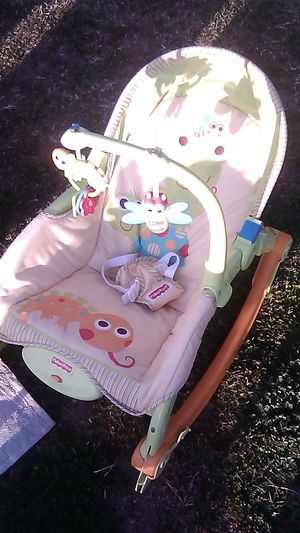 Fisher Price baby rocker for Sale in Highland, CA