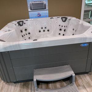 Coast Apex Hot Tub for Sale in Placentia, CA