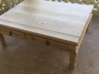 Coffee Table for Sale in Sun City,  AZ