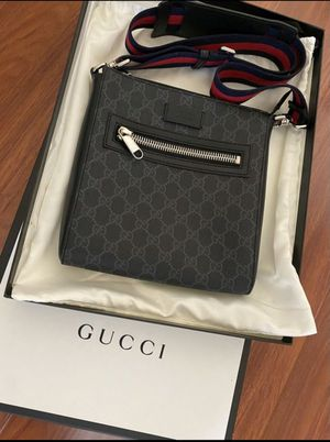Gucci messenger bag for Sale in Downey, CA