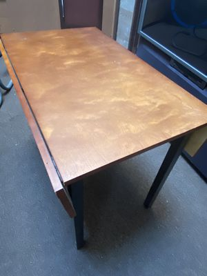 Small extendable kitchen table for Sale in Los Gatos, CA
