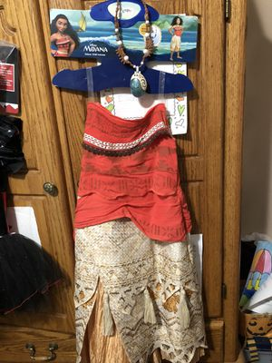 Moana Costume Size M (young girls) for Sale in Sumner, WA